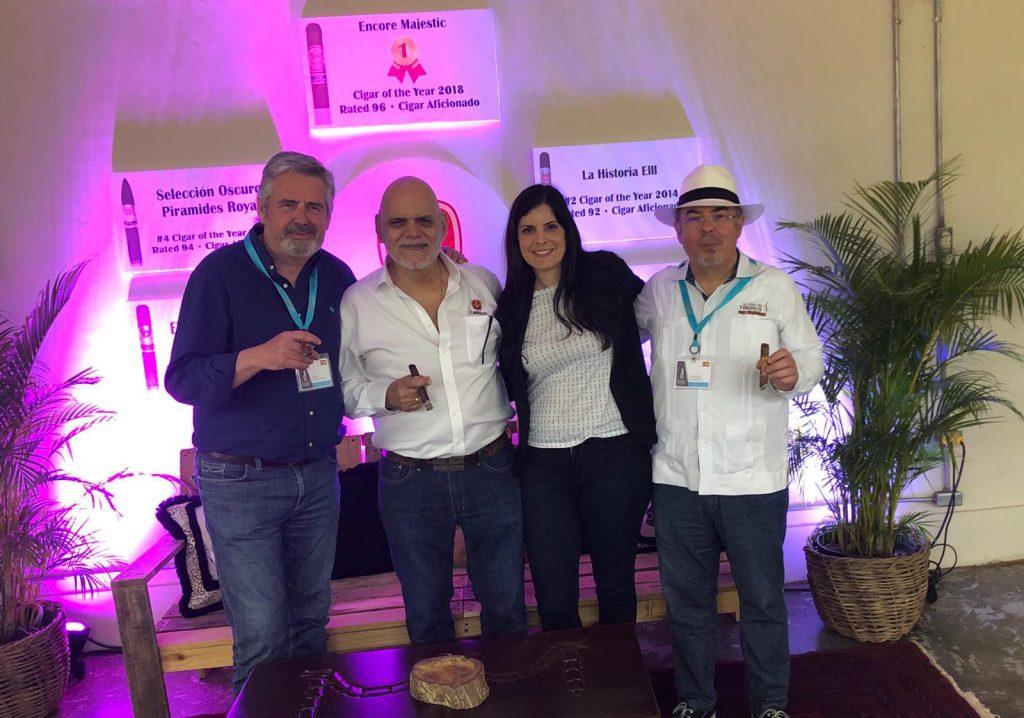 De izquierda a derecha, Pepe Palacios, Ernesto Pérez Carrillo, Lissete Pérez Carrillo y Ramón Zapata, durante su encuentro en Procigar 2019.
